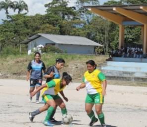 Una final de fútbol de mujeres en Napo.